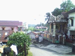 rumah-rumah di tepi Sungai Lematang